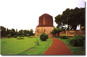 Estupa Dhamekh en Sarnath con Viaje por India
