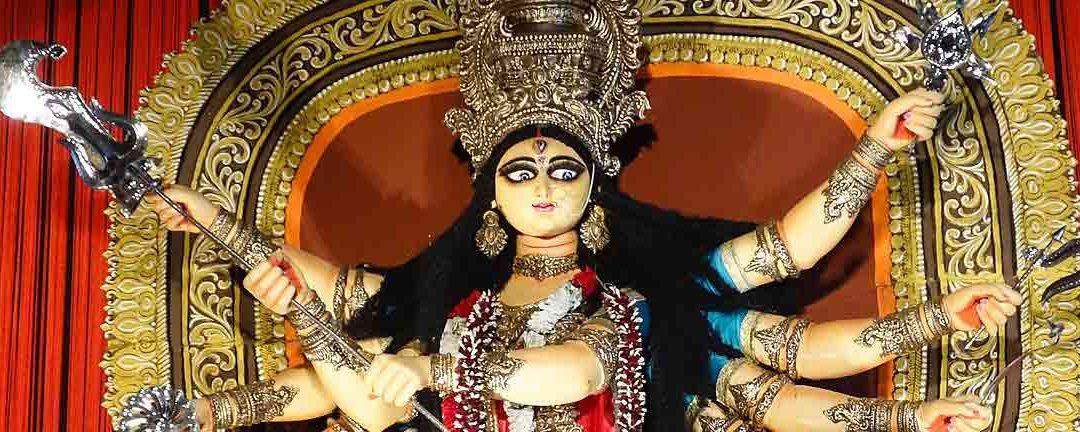 Durga : conoce los Dioses y la religión con Viaje por India
