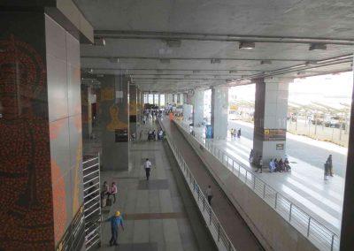 Exterior del Aeropuerto de Delhi