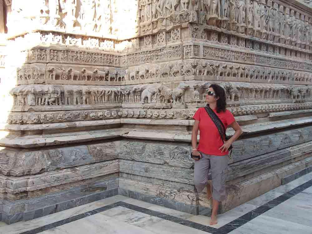 Posando en el templo Jagdish