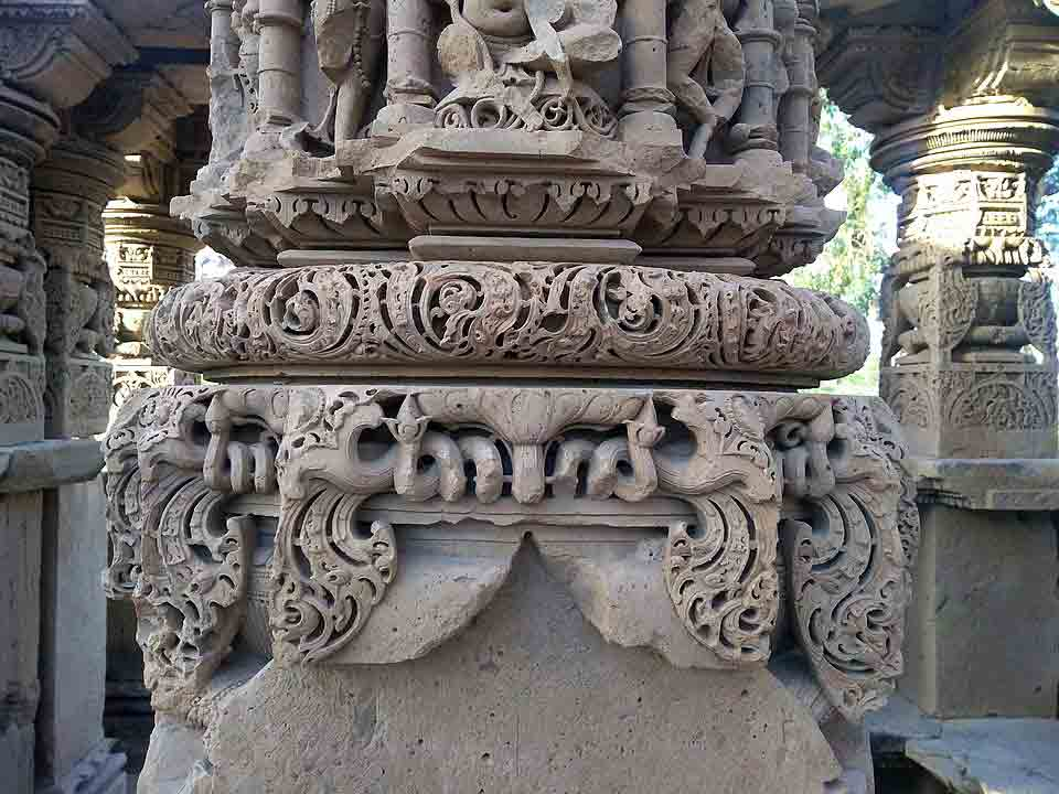 Pilar del templo Kiradu