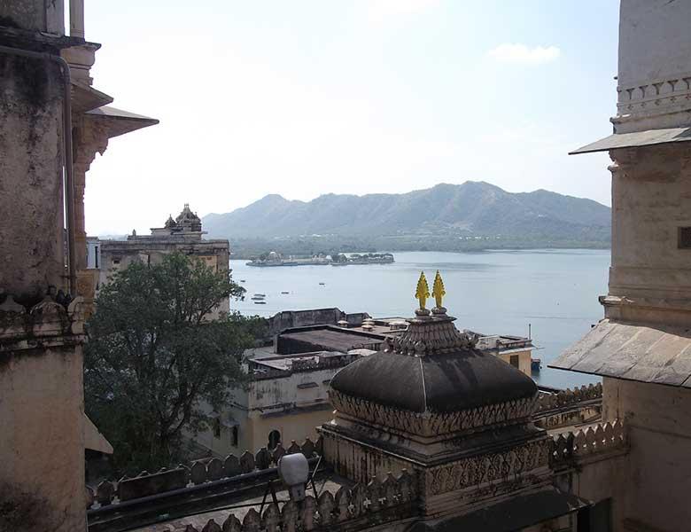 Lago Pichola desde Udaipur