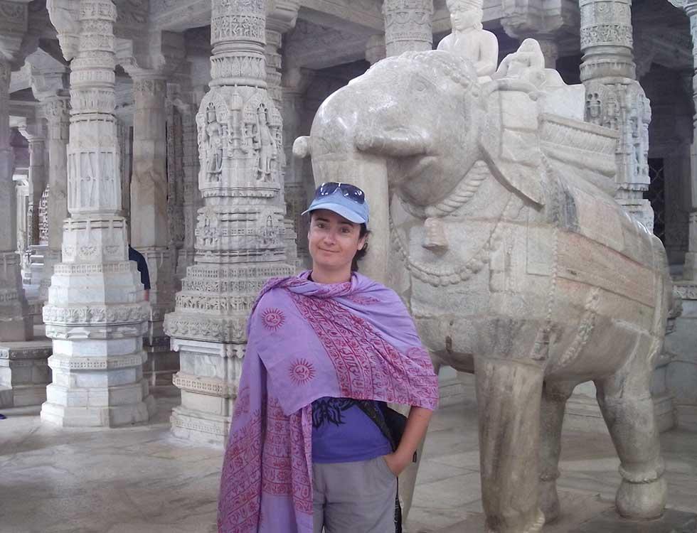 Dentro del templo de Ranakpur