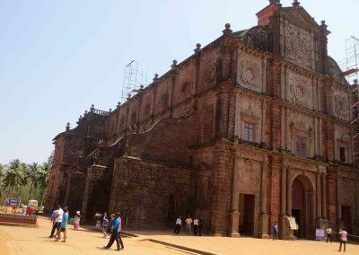 Exterior Basílica Buen Jesús
