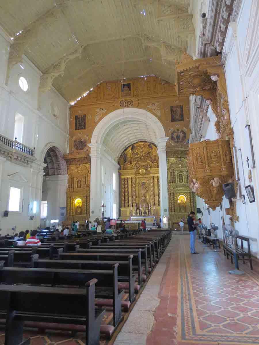 Asientos Basílica Buen Jesús
