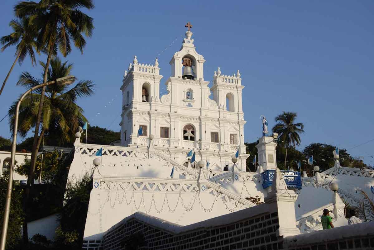 Fachada iglesia en Goa