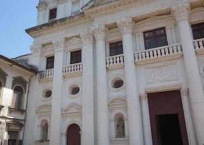 Entrada iglesia San Cayetano de Goa