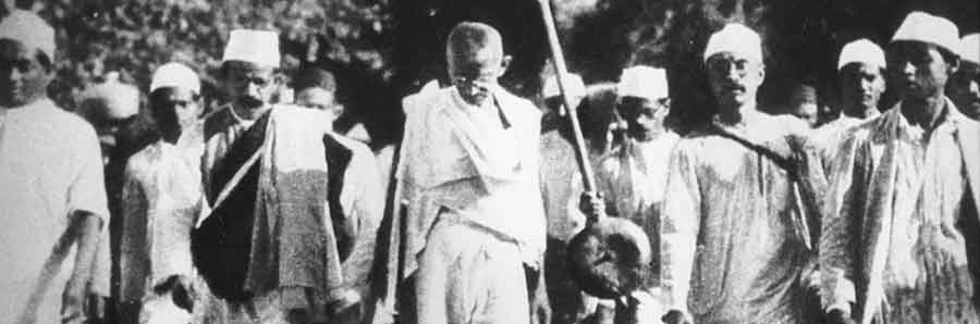 Gandhi en la Marcha de la Sal